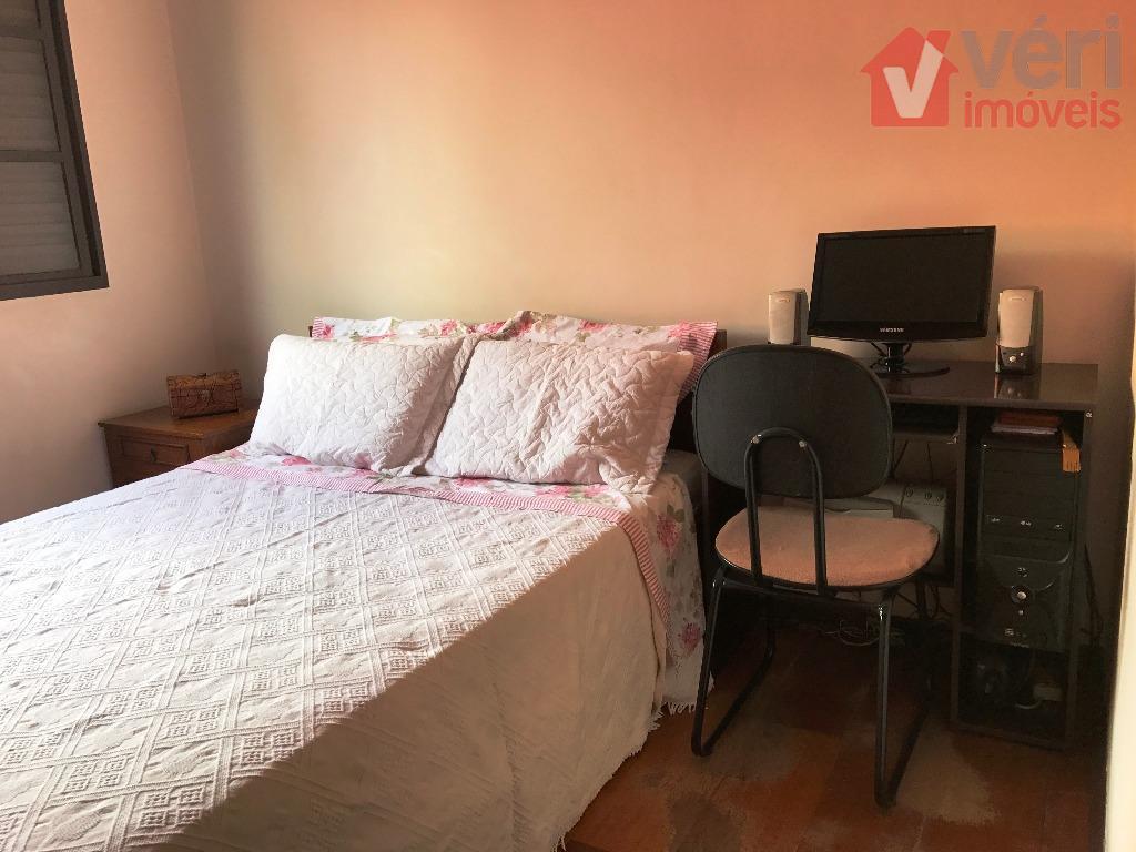 linda casa sobrado no coração da vila romana em local plano- 212 m² de área construída-...