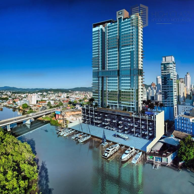 Luxuoso apartamento com marina privativa!!