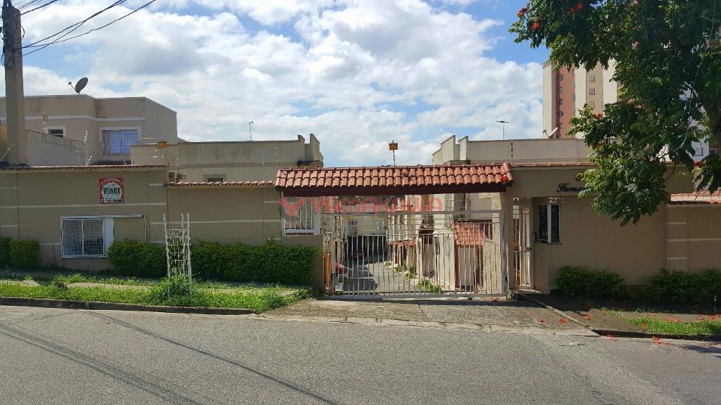 Sobrado Residencial à venda, Vila Carmosina, São Paulo - SO1228.