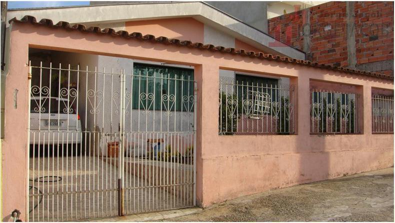 Excelente casa, localização privilegiada, ideal para fins comerciais, próxima ao shopping esplanada.