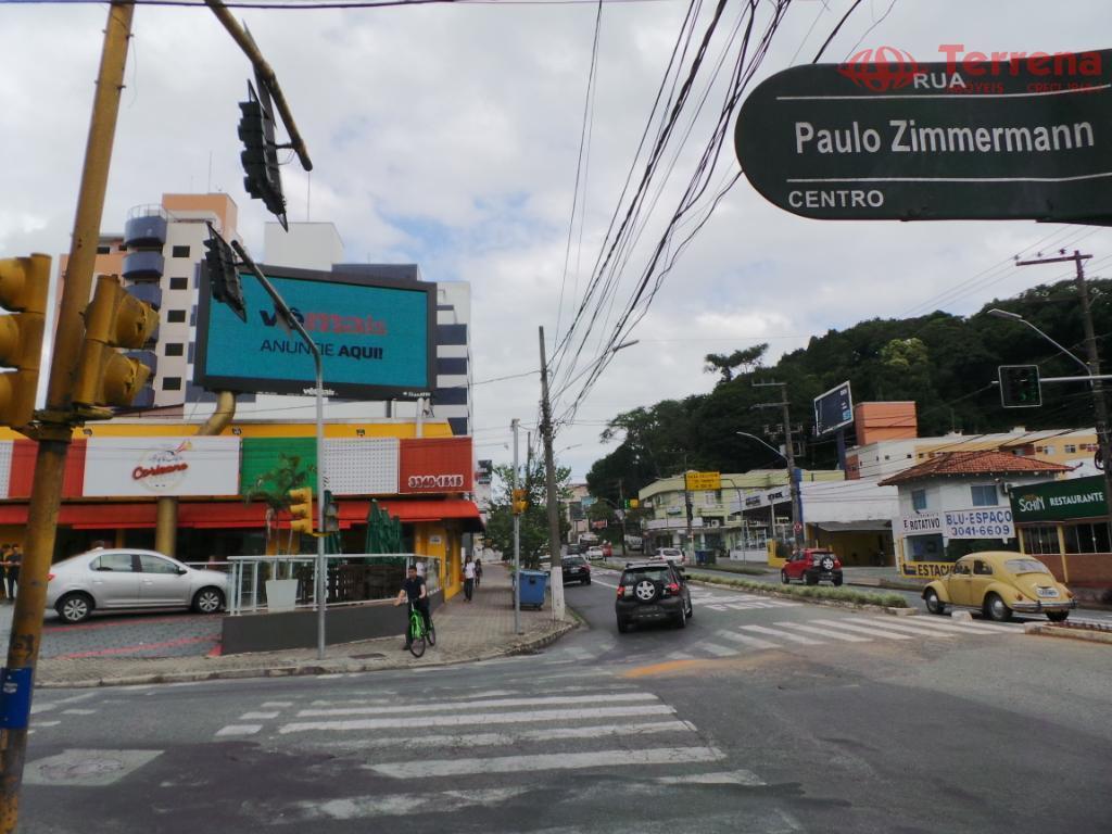 venda das instalações de um ponto comercial privilegiado no centro da cidade de blumenau, no ramo...