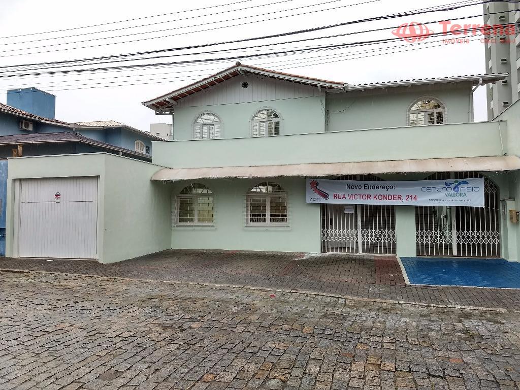 Casa Comercial para Locação, Próxima ao Centro de Blumenau.