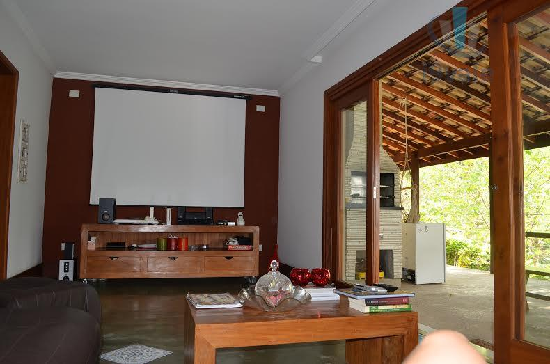 Sobrado de 7 dormitórios em Condomínio Lagoinha, Jacareí - SP