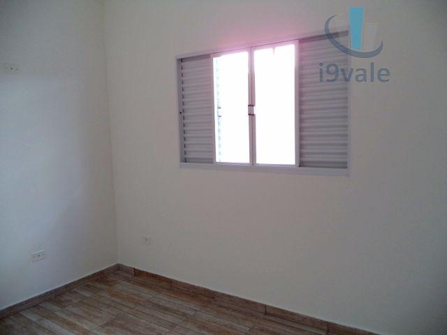 Casa de 3 dormitórios em Parque Industrial, São José Dos Campos - SP
