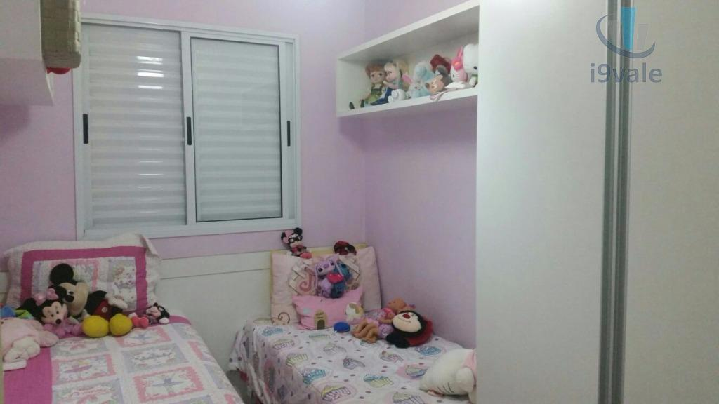 Sobrado de 3 dormitórios em Jardim Santa Maria, Jacareí - SP