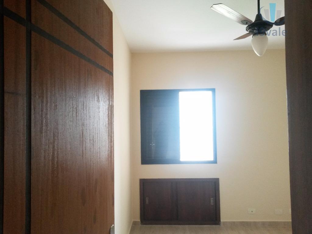 Apartamento de 2 dormitórios em Centro, Jacareí - SP
