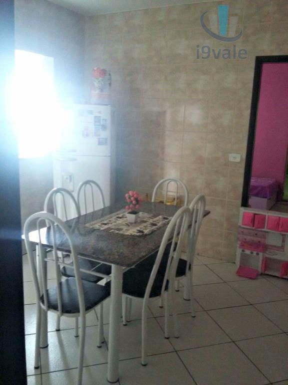 Casa de 3 dormitórios em Jardim Primavera, Jacareí - SP