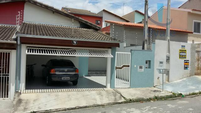 Casa de 3 dormitórios em Jardim Altos De Santana I, Jacareí - SP