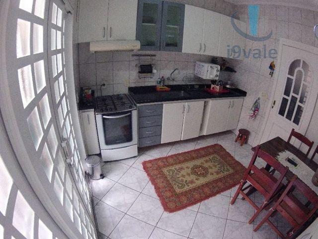 Casa de 3 dormitórios em Jardim Califórnia, Jacareí - SP