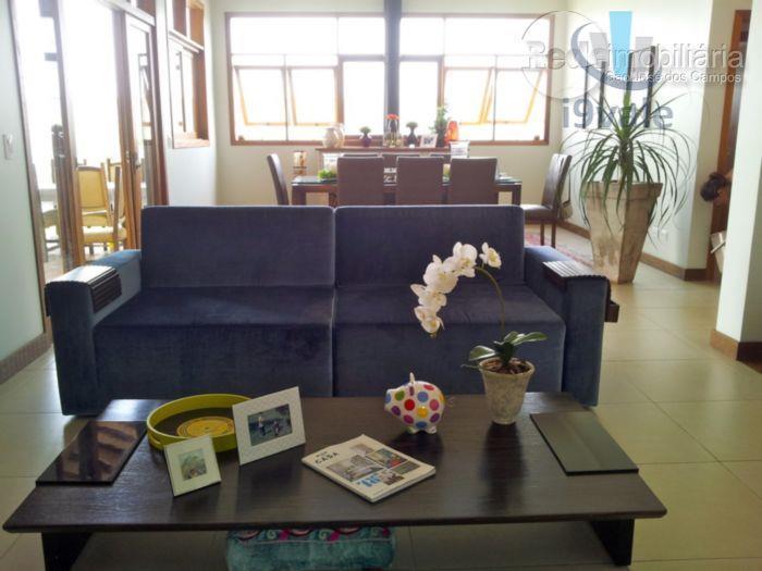 Casa de 4 dormitórios em Urbanova, São José Dos Campos - SP
