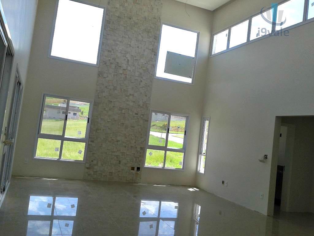 Casa de 3 dormitórios em Urbanova, São José Dos Campos - SP