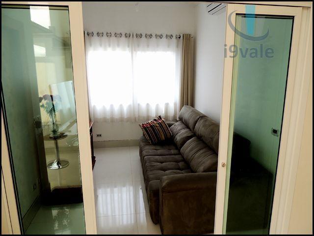 Sobrado de 3 dormitórios em Urbanova, São José Dos Campos - SP