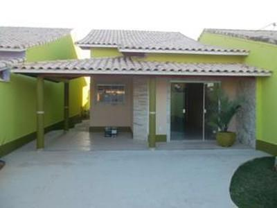 espaçosa casa com 232m² de área construída, em localização privilegiada. este estilo colonial de três leitos,...