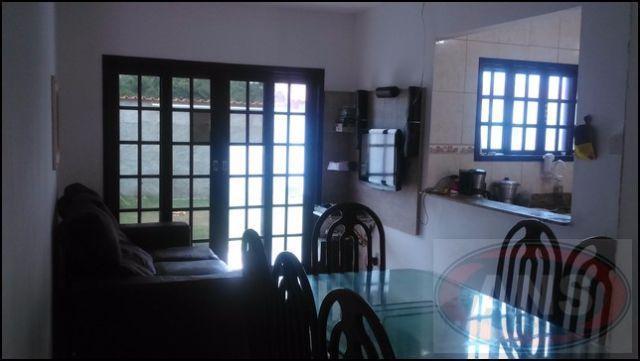 linda casa linear, composta de: 2 quartos, sendo um suite, sala com cozinha americana, banheiro suite...