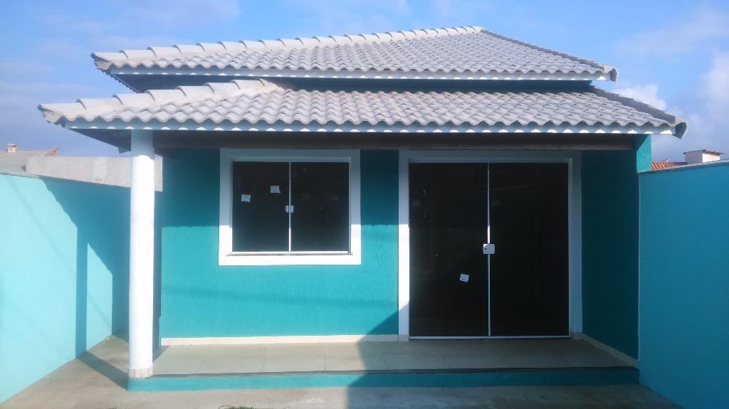 linda casa em localização exclusiva em área nobre,parte alta a (5) minutos de carro da praia...
