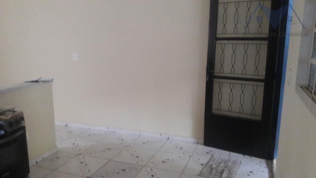 casa para venda, com dois dormitórios, sendo uma suite, sala, cozinha, lavanderia coberta, garagem coberta para...