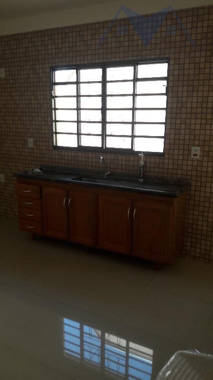 linda casa com dois dormitórios, sendo uma suite, sala, cozinha, lavanderia coberta, garagem coberta para dois...