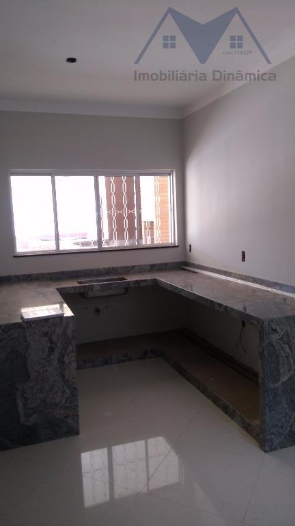 sensacional casa em americana,três dormitórios com laminado,suite ,sala, copa , cozinha,banheiro social, lavabo, edicula com churrasqueira...