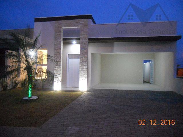 maravilhosa casa no condomínio jardim mônaco, localizado próximo ao centro de hortolândia.sala dois ambientes, cozinha, área...