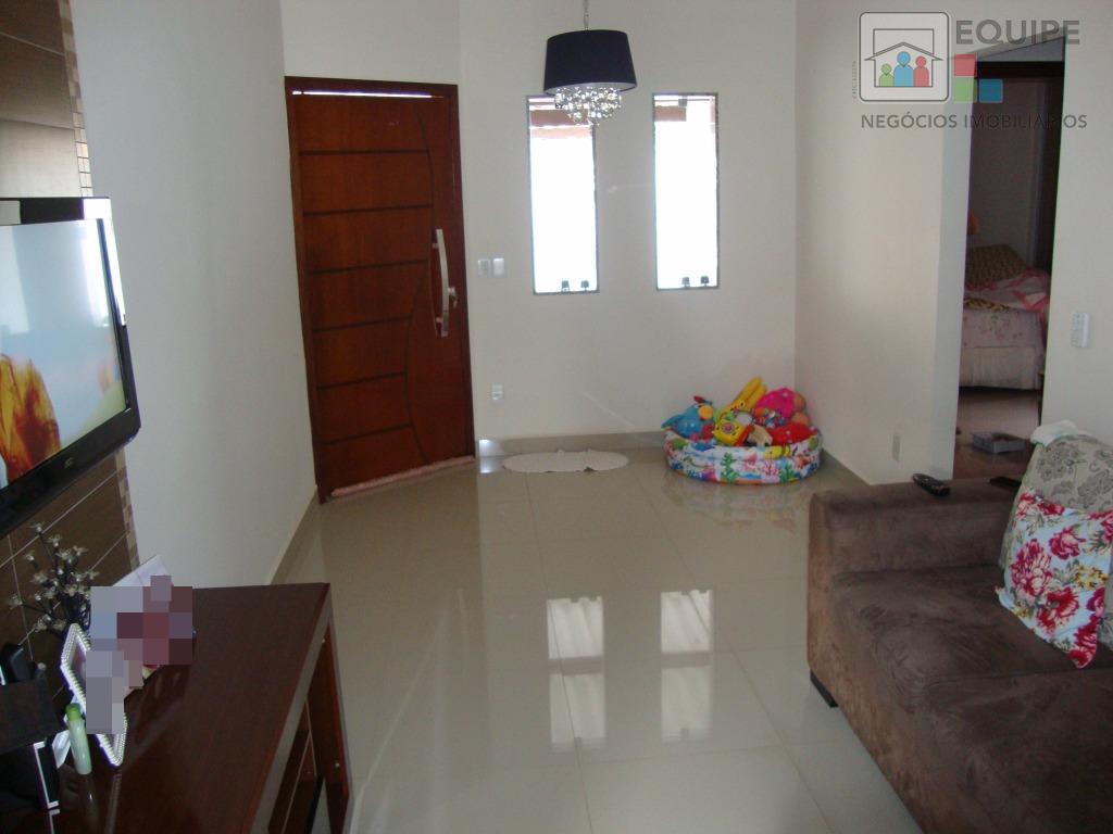 Casa de 2 dormitórios em Conjunto Habitacional Etheocle Turrini, Araçatuba - SP