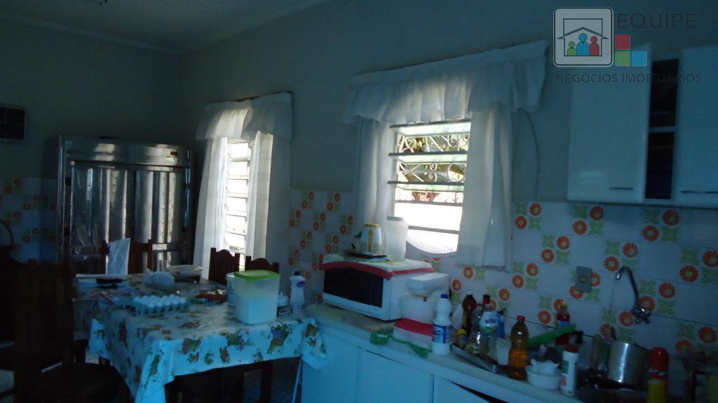Casa de 2 dormitórios em Centro, Araçatuba - SP