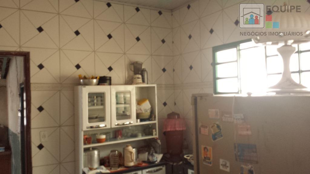 Casa de 3 dormitórios em Jardim Brasília, Araçatuba - SP