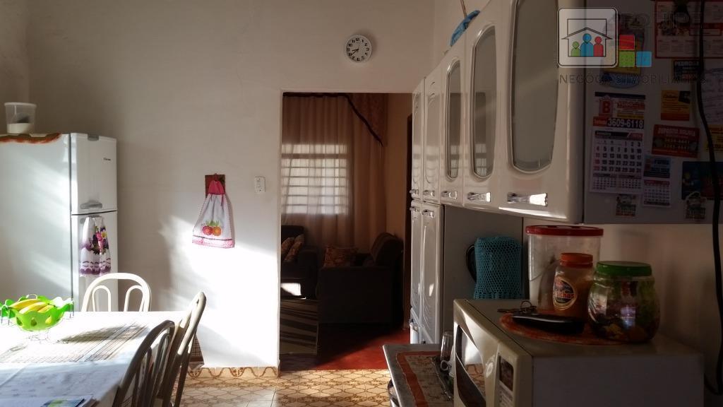 Casa de 3 dormitórios em Vila Industrial, Araçatuba - SP