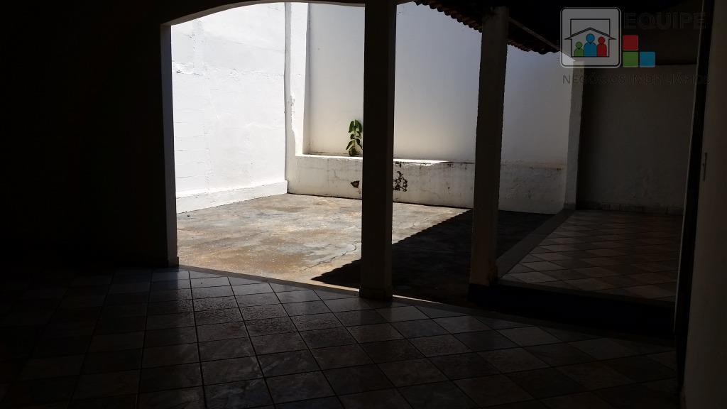 Casa de 3 dormitórios em Dona Amélia, Araçatuba - SP