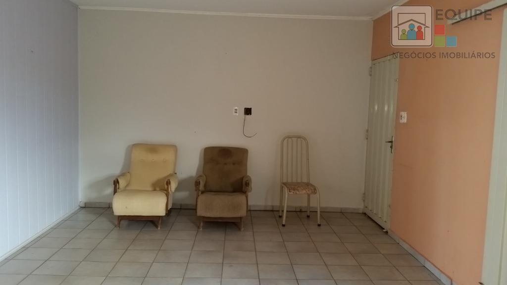 Casa de 3 dormitórios em Vila Mendonça, Araçatuba - SP