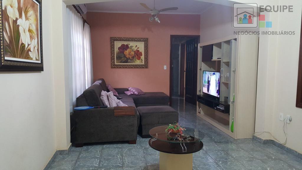 Casa de 3 dormitórios em Monterrey, Araçatuba - SP