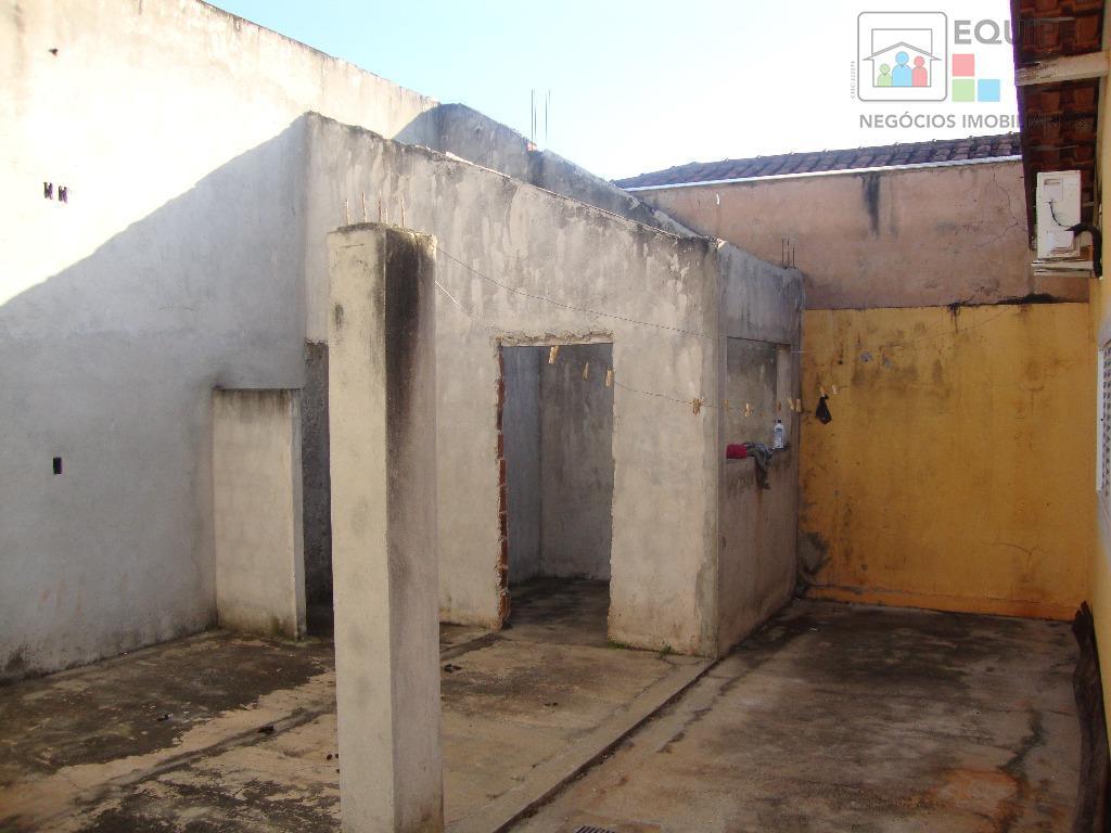 Casa de 3 dormitórios em Conjunto Habitacional Antônio Pagan, Araçatuba - SP