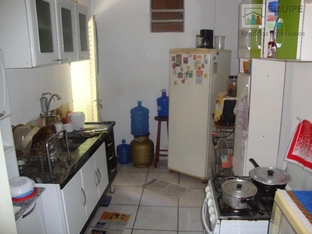 Casa de 2 dormitórios em Santana, Araçatuba - SP