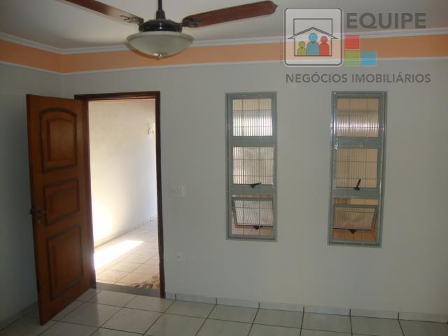 Casa de 3 dormitórios em Esplanada, Araçatuba - SP