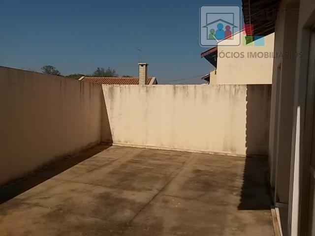 Casa de 2 dormitórios à venda em Conjunto Habitacional Doutor Antônio Villela Silva, Araçatuba - SP