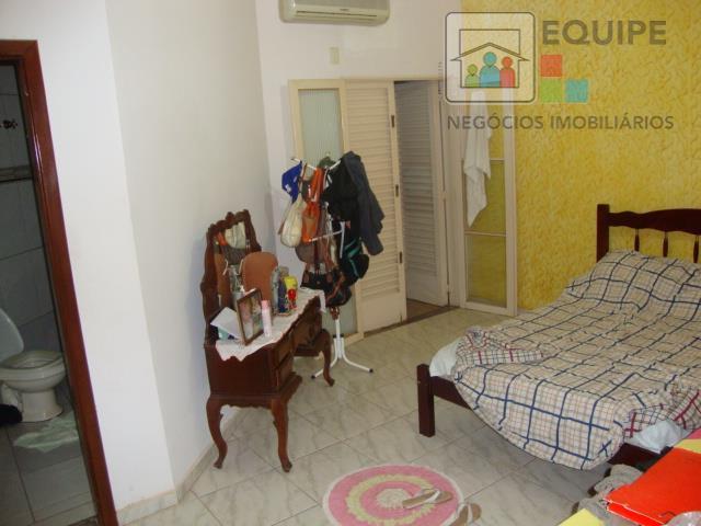 Casa de 4 dormitórios em Ipanema, Araçatuba - SP