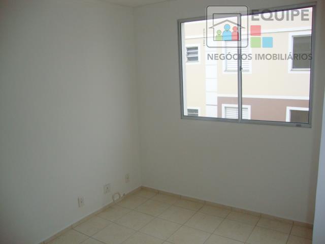 Apartamento de 2 dormitórios em Conjunto Habitacional Doutor Antônio Villela Silva, Araçatuba - SP