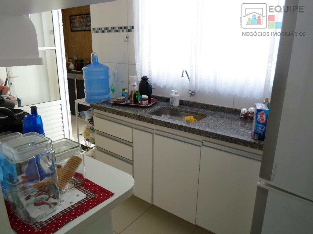 Casa de 3 dormitórios em Aeroporto, Araçatuba - SP