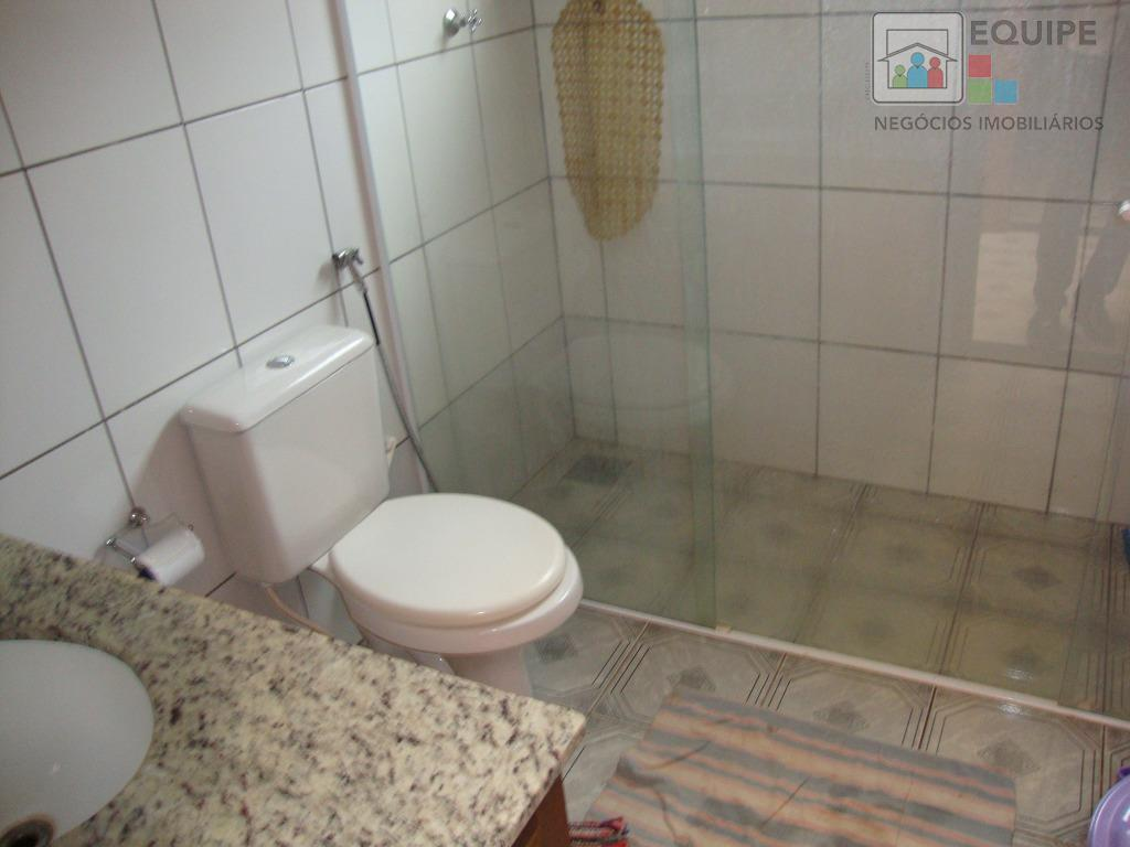 Casa de 3 dormitórios em Petit-Trianon, Araçatuba - SP