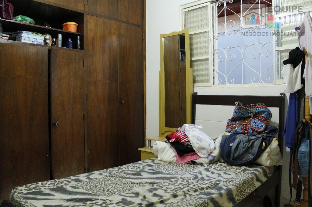 Casa de 4 dormitórios em Vila Estádio, Araçatuba - SP