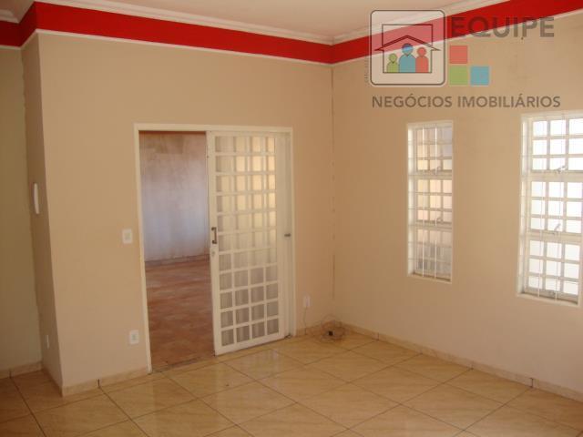 Casa de 3 dormitórios à venda em Conjunto Habitacional Clóvis Valentin Picolotto, Araçatuba - SP