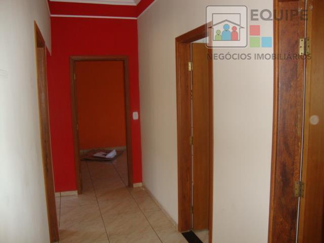 Casa de 3 dormitórios em Conjunto Habitacional Clóvis Valentin Picolotto, Araçatuba - SP