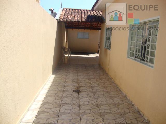 Casa de 3 dormitórios em Icaray, Araçatuba - SP