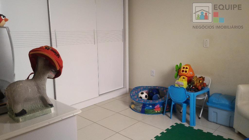 Casa de 3 dormitórios em Jardim Brasil, Araçatuba - SP