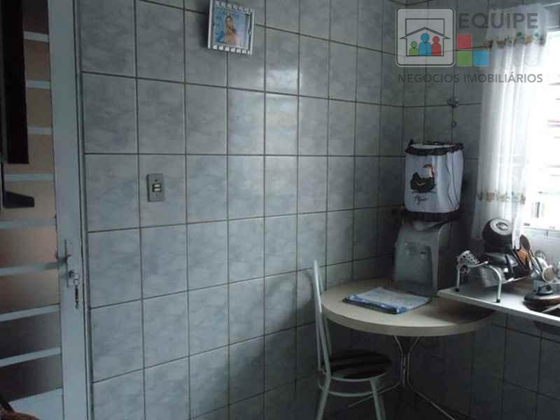 Casa de 3 dormitórios em Conjunto Residencial Toyokazu Kawata, Araçatuba - SP