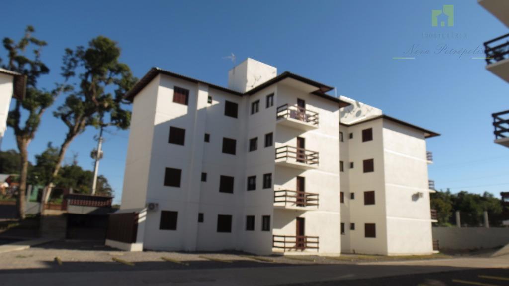 Excelente imóvel novo, em condomínio fechado, com área de lazer e salão de festas. Vila Germania, Nova Petrópolis.