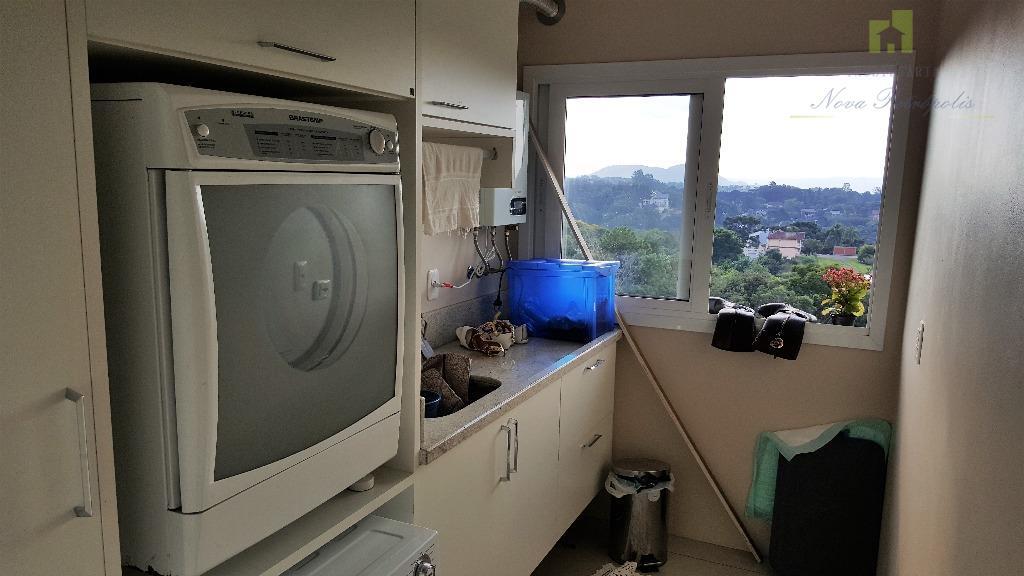 apartamento de 3 dormitórios todo mobiliado com móveis de alto padrão. 1 suíte com closet 2...