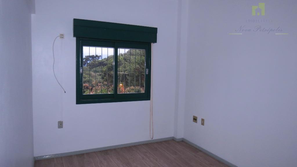 apartamento com 3 dormitórios no centro de nova petrópolis próximo a rua coberta, em local muito...