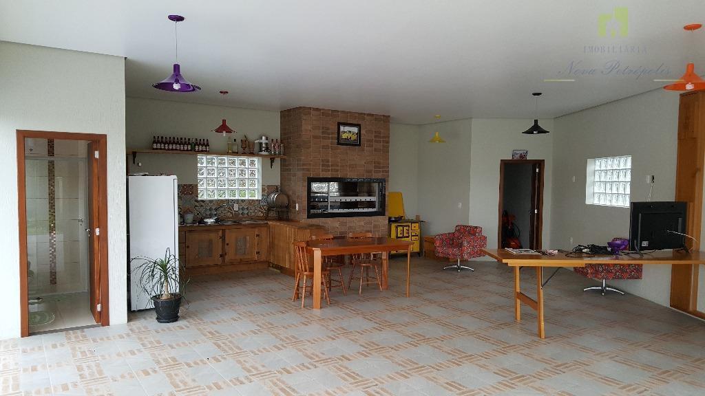 excelente residência em morro reuter, picada são paulo. com três dormitórios (um suíte), sala de estar,...