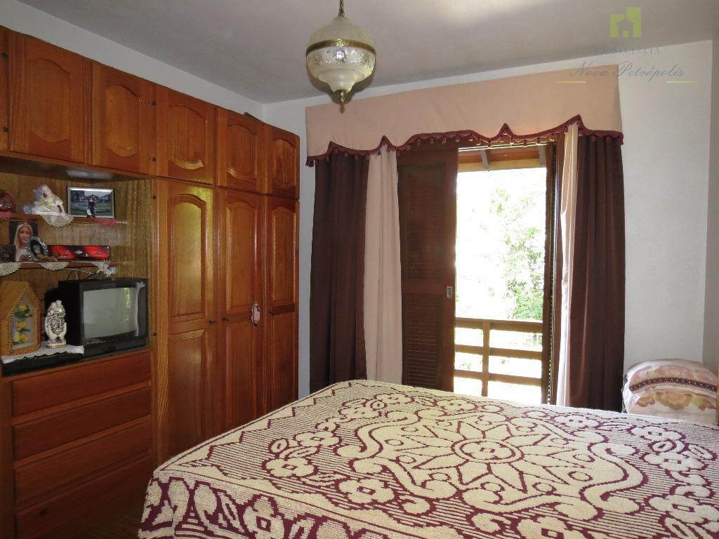 excelente residencia possuindo 145,33 m² edificada sobre um terreno de esquina no bairro logradouro!venha nos visitar...