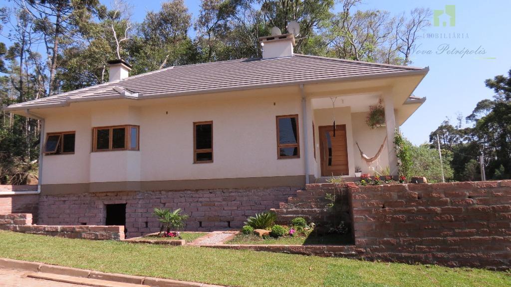 excelente residência na vila germânia, início do loteamento tirol!!o imóvel possui 03 dormitórios sendo uma suíte,...